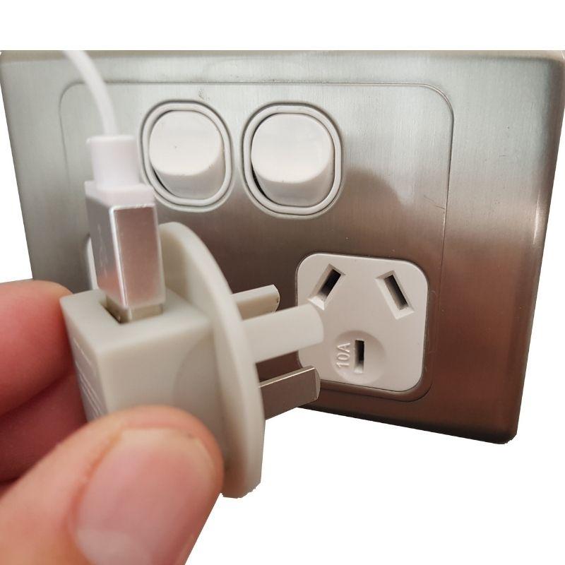 Earthing plug in Australian socket.